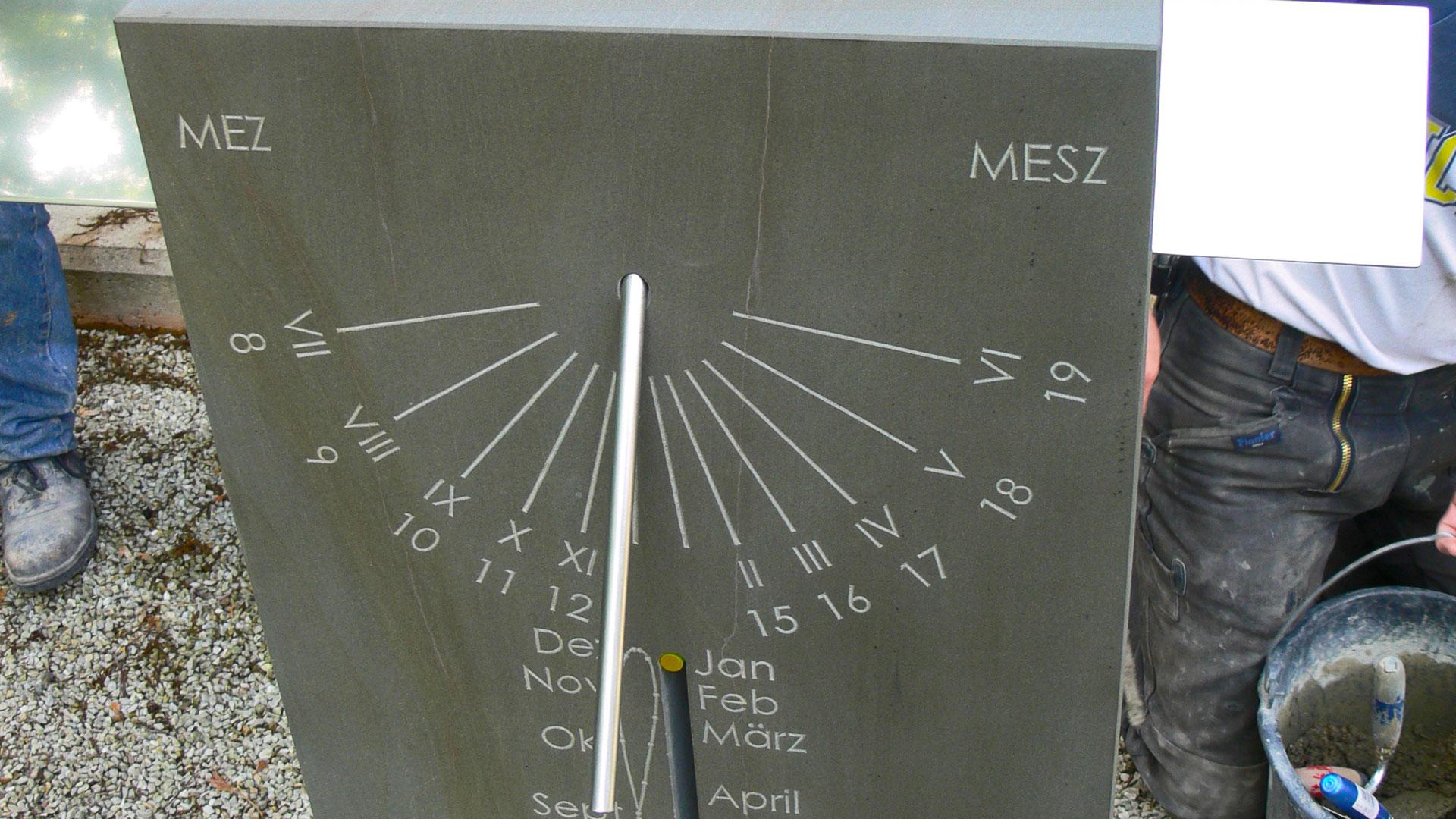Oehler Steinmetz & Bildhauermeister Köln - Sonnenuhr für Thurmuhrenmuseum in Rochenhausen